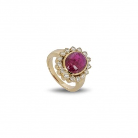 Yellow Gold Diamond & Ruby Ring
